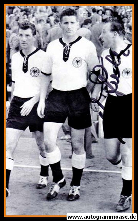 Autogramm Fussball | DFB | 1958 WM Foto | Uwe SEELER (Gruppenbild SW)