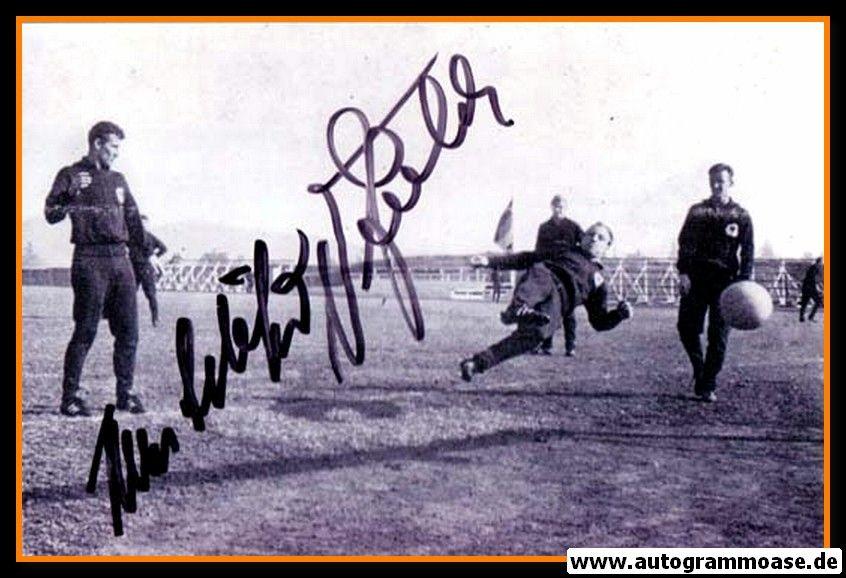Autogramme Fussball   DFB   1962 WM Foto   Hans SCHÄFER + Uwe SEELER (Trainingslager)
