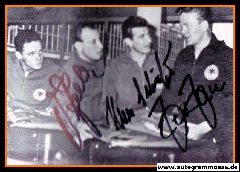 Autogramme Fussball   DFB   1966 WM Foto   3 AG (Haller, Schäfer, Seeler)