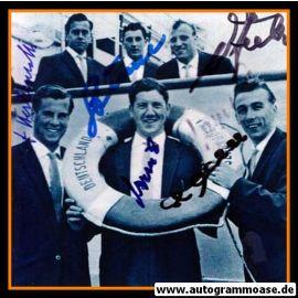 Autogramme Fussball   DFB   1958 WM Foto   GRUPPENBILD + 5 AG (Rettungsring)