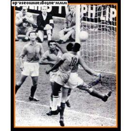 Autogramm Fussball   Frankreich   1958 WM Foto   Armand PENVERNE (Spielszene SW)
