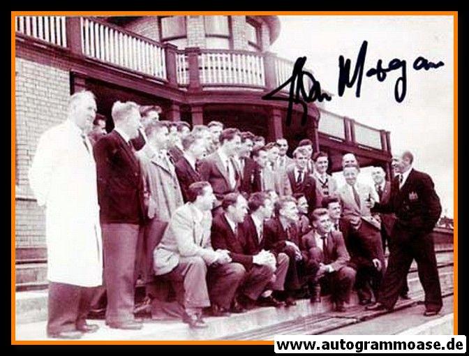 Mannschaftsfoto Fussball | Manchester United | 1954 + AG Kenny MORGANS (Anzug) 1