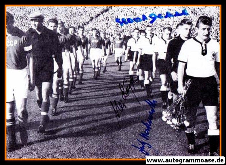 Autogramme Fussball   DFB   1955 Foto   4 AG (Biesinger, Eckel, Harpers, Herkenrath) Einlauf UdSSR